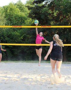 Beachvolleyball Angriff